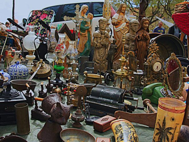 flea-market-feira-da-ladra-lisbon