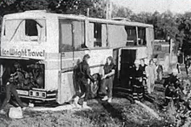 metallica-bus-crash
