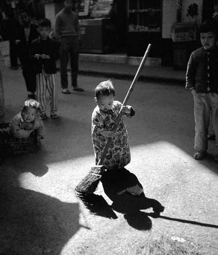 street-photography-hong-kong-memoir-fan-ho-2