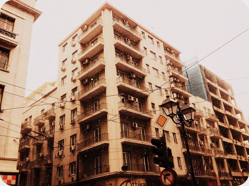 Νιφάδες είδαμε ακόμη και στο κέντρο της Αθήνας.