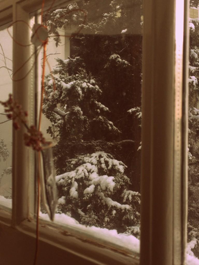 Στην Κηφισιά είναι συχνές οι χιονοπτώσεις. Αισθάνεσαι ότι τα Χριστούγεννα δεν τέλειωσαν ποτέ.
