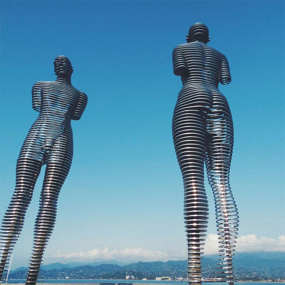 moving-metal-statue-ali-nino-love-tamara-kvesitadze-georgia-14