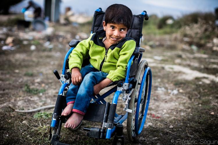 Βλέπωντας αυτό το αγόρι, απλά ξέρουμε πως ό,τι και αν συμβεί στη ζωή μας, θα μπορούμε πάντα να χαμογελάμε. Τραβηγμένη στην Beeka Valley, στο Λίβανο.