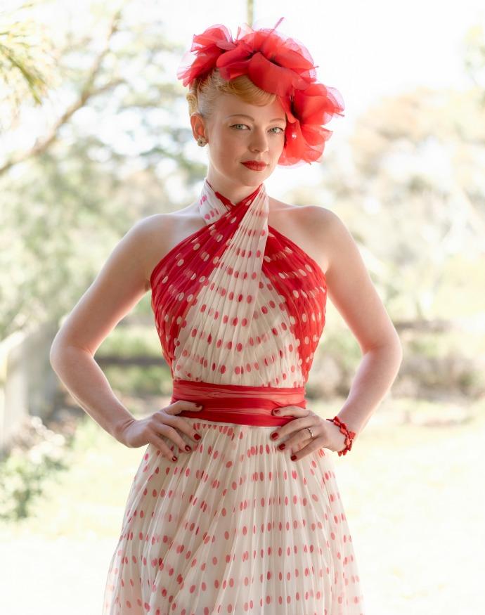 The-Dressmaker_Sarah-Snook_Gertrude-Trudy-Pratt_1-2