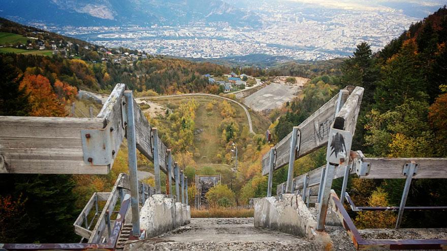 abandoned-olympic-venues-56-57a885cd4dd5b__880