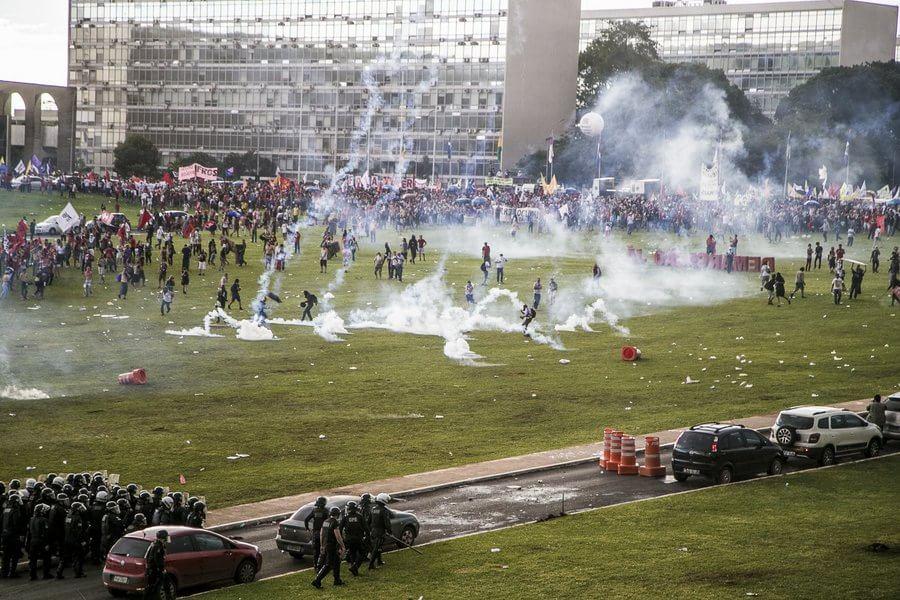 brasil-protestos-pec-02